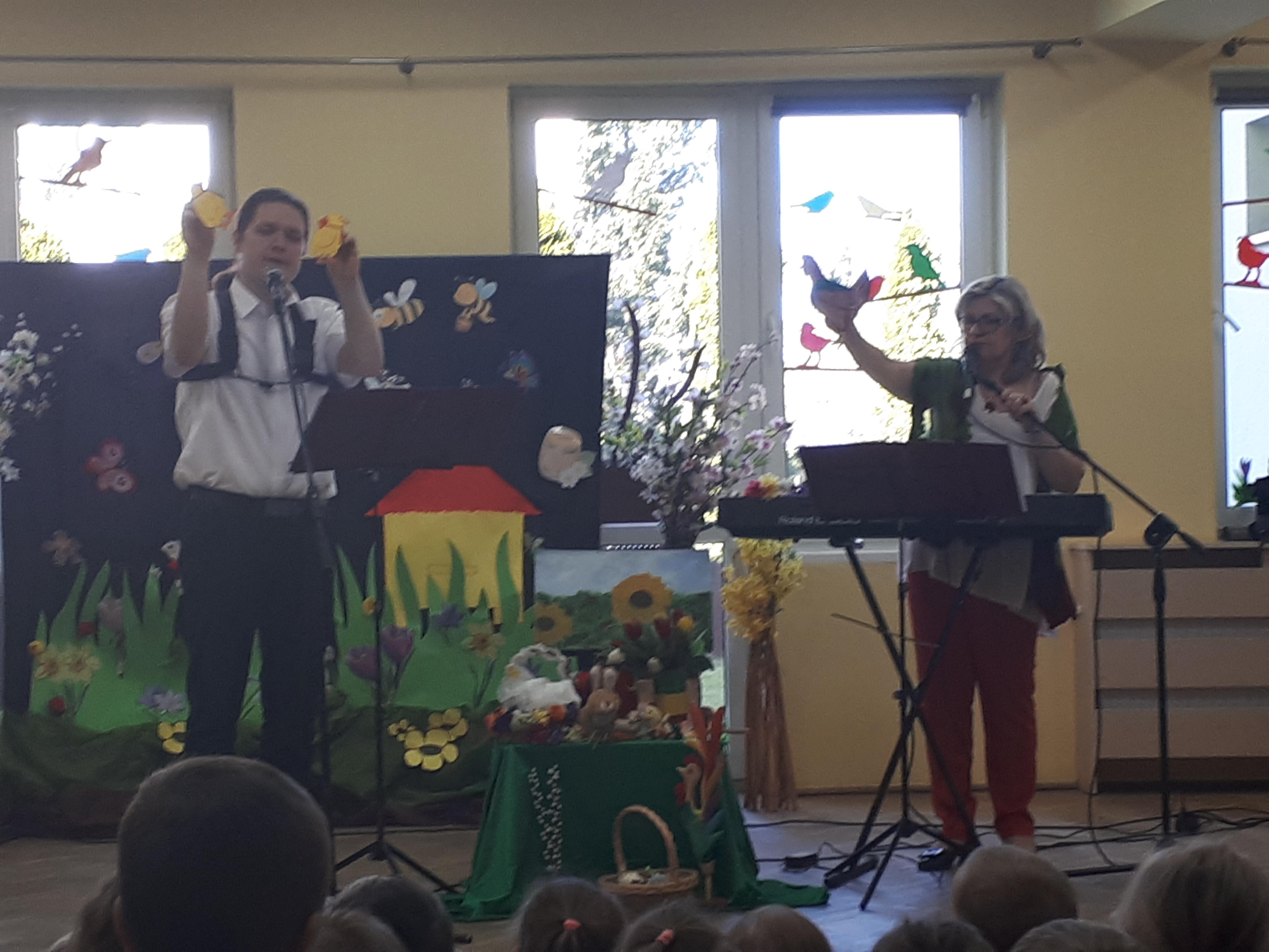 """Koncert muzyczny  """"Wielkanocna kurka i jej pisanki"""""""