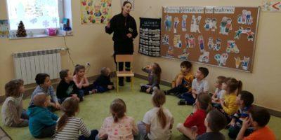 Strażak w II siedzibie przedszkola