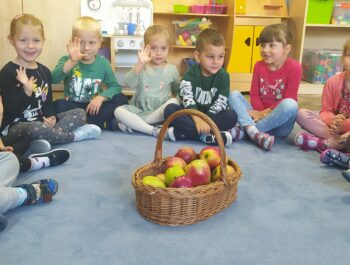 Dzień jabłka-Kotki