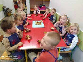 Owocowe szaszłyki-Kropelki